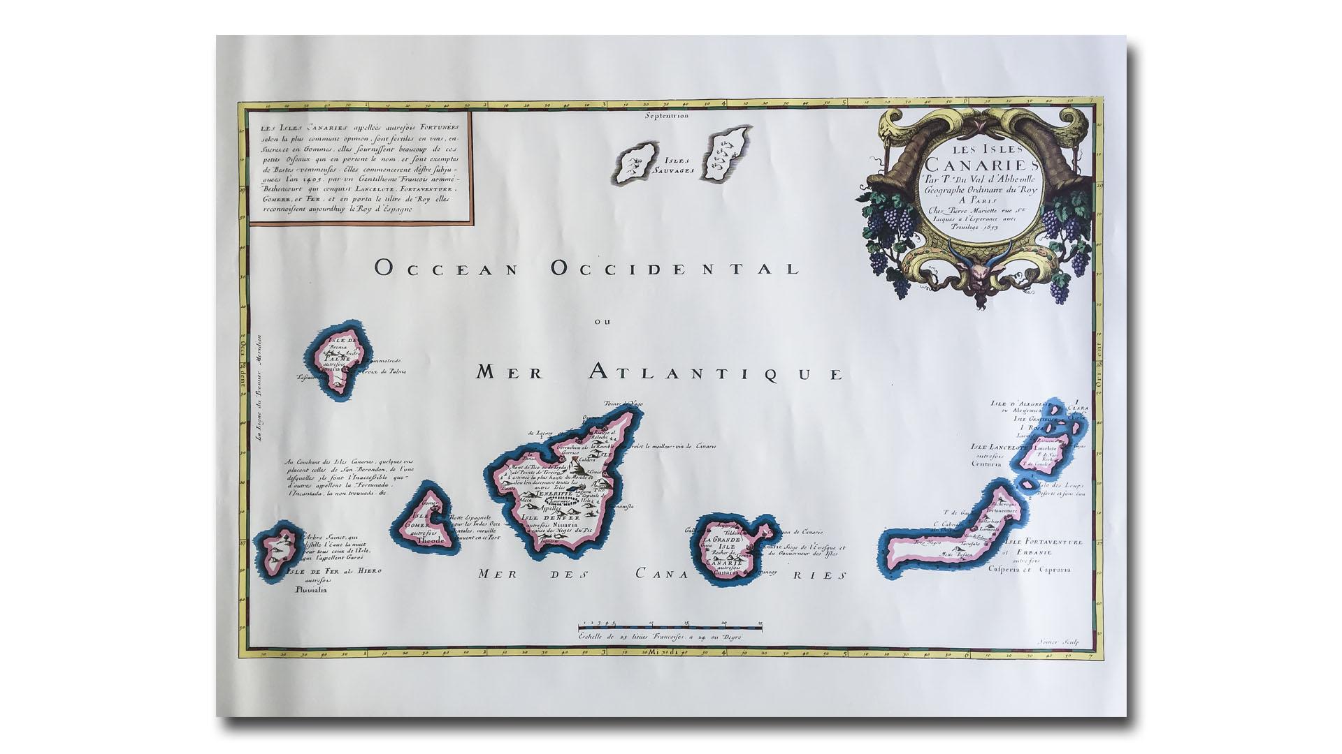 """Französische Karte der Kanarischen Inseln aus dem Jahr 1653. Die Küstenlinie noch recht grob. Die portugiesischen """"Ilhas Selvagens"""" deutlich zu gross und unpräzise in der Lage. (Lithographie –Instituto Geográfico Nacional de España)"""