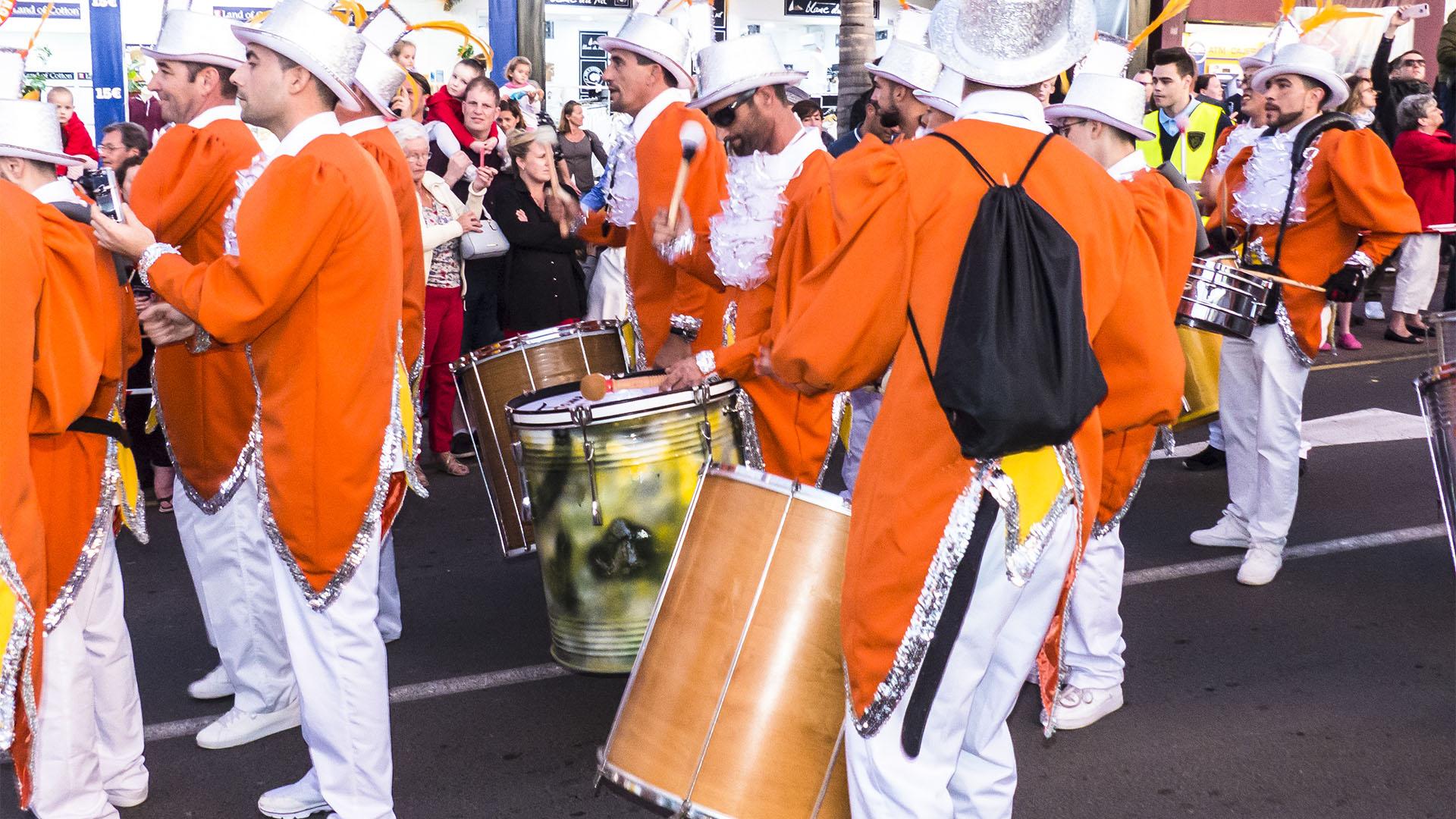"""Kein Fest ohne Trommler –lateinamerikanische Rhythmen der """"tamborileros"""" und """"tamboreros""""."""