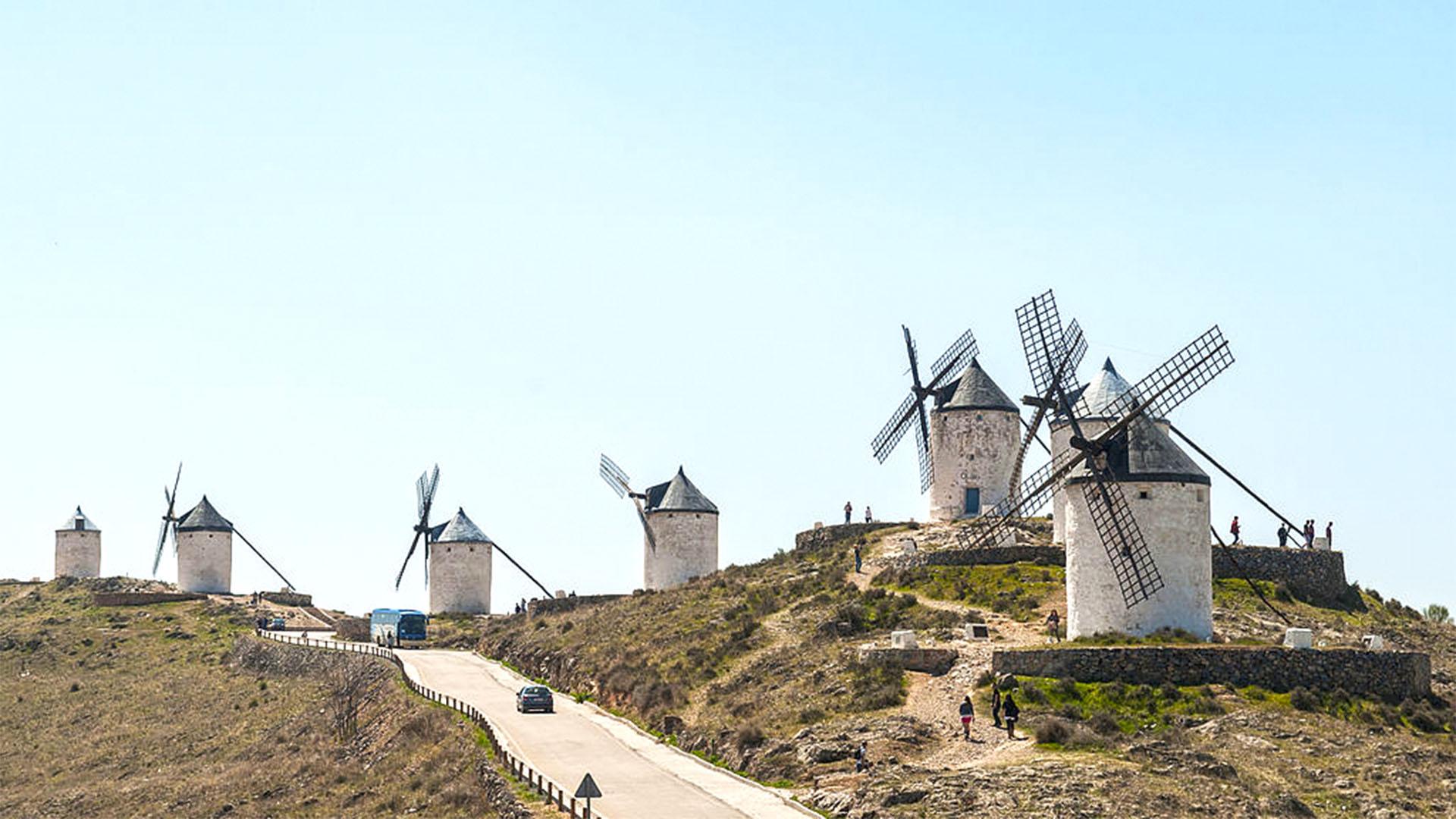 Die Windmühlen von Consuegra in Spanien nahe Toledo.