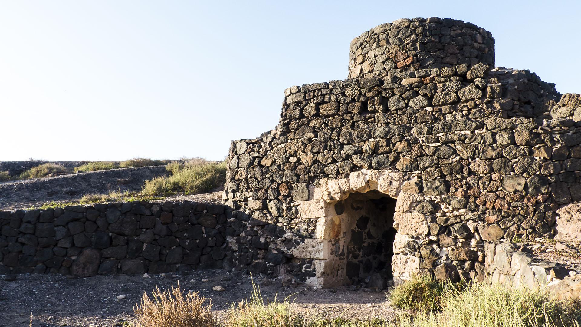 Kalkindustrie auf Fuerteventura – jeder, der ein Stück brauchbares Land hatte, brannte Kalk.
