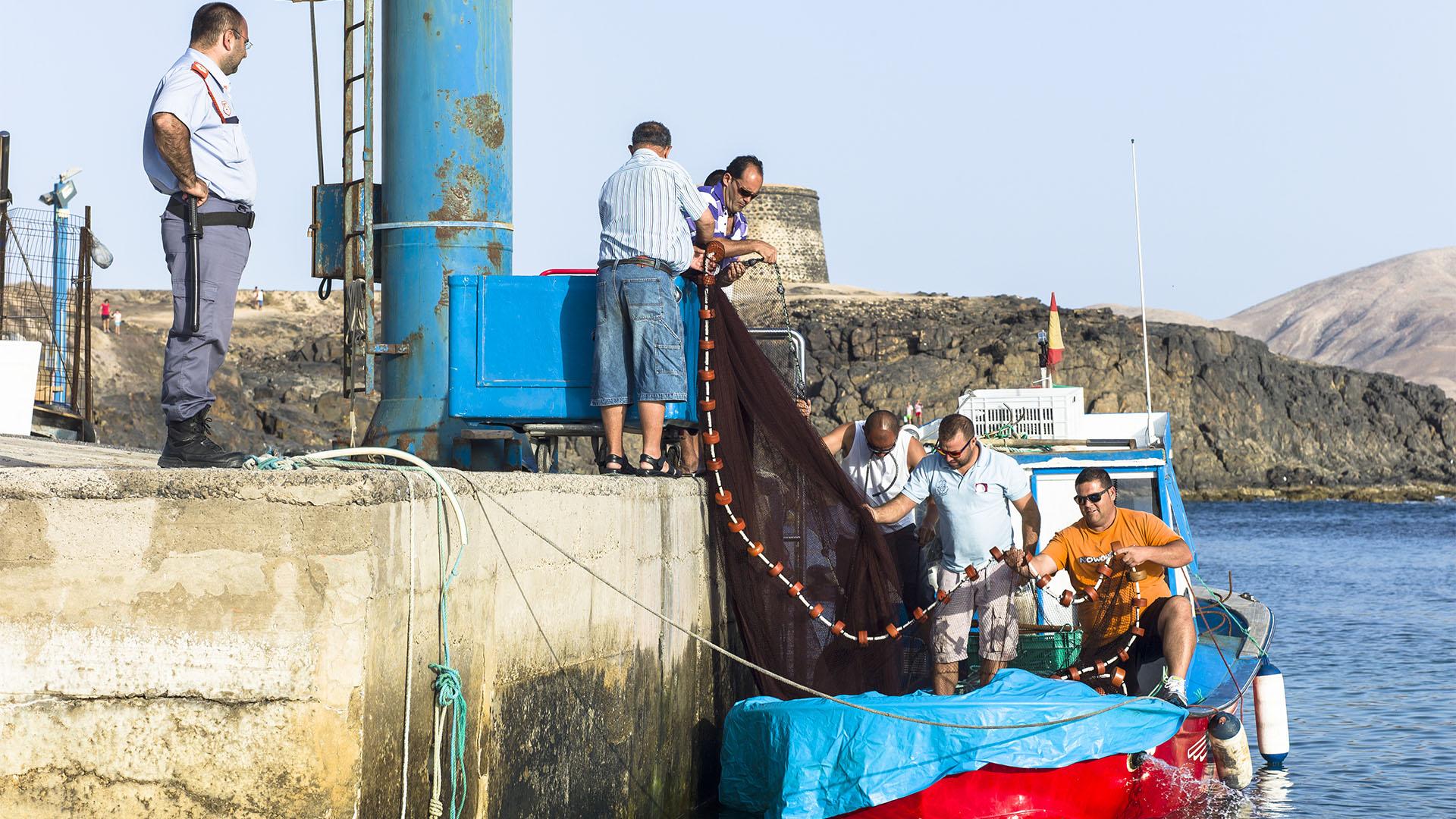 Fischereiindustrie, Konservenindustrie, Salinen Salzgewinnung auf Fuerteventura.