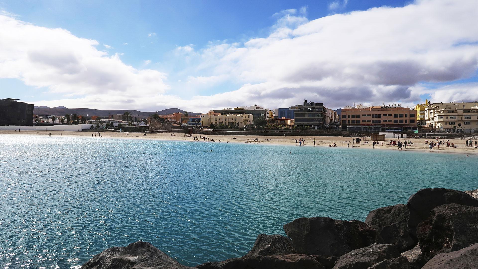 Puerto del Rosario Fuerteventura – der Stadtstrand Playa de los Pozos oder auch Playa Chica genannt.