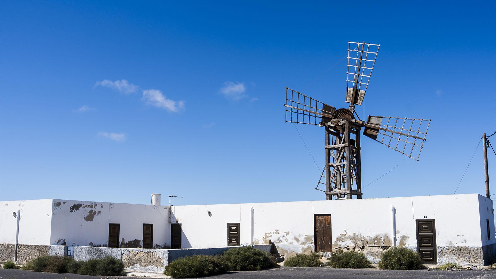 Sehenswürdigkeiten Fuerteventuras: Lajares – Windmühlen