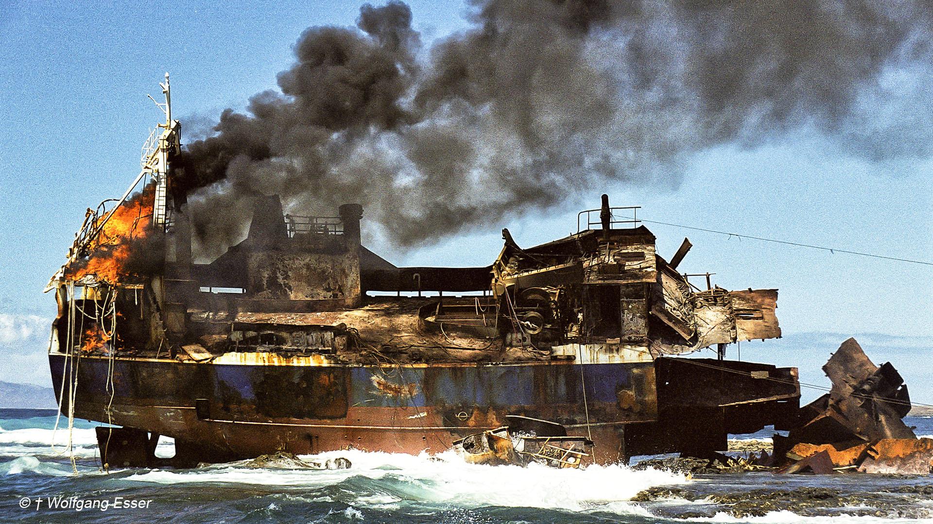 "Schiffswrack der Massira-I am Faro de Tostón Fuerteventura (© in Gedenken an † Wolfgang Esser aka ""Jo"")."