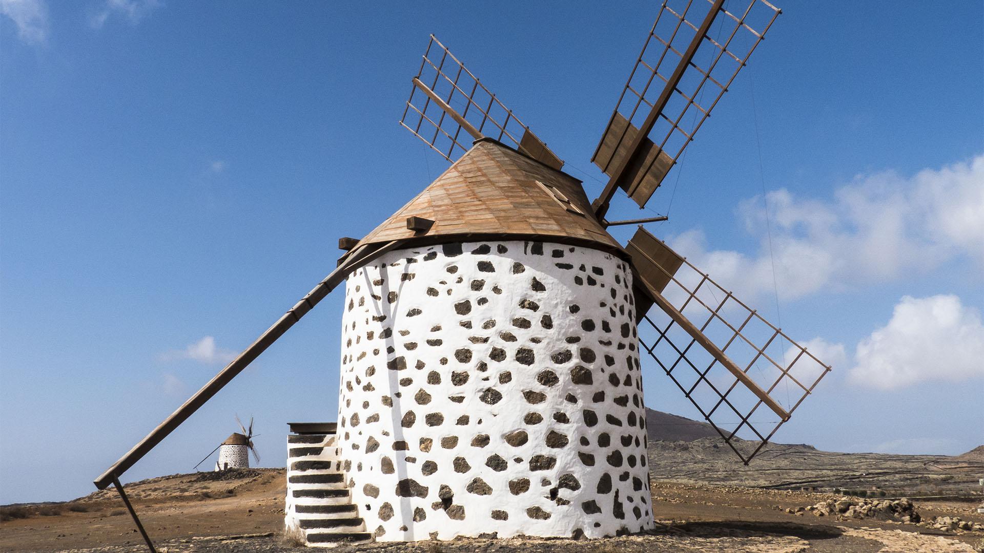 Sehenswürdigkeiten Fuerteventuras: Villaverde – Windmühlen
