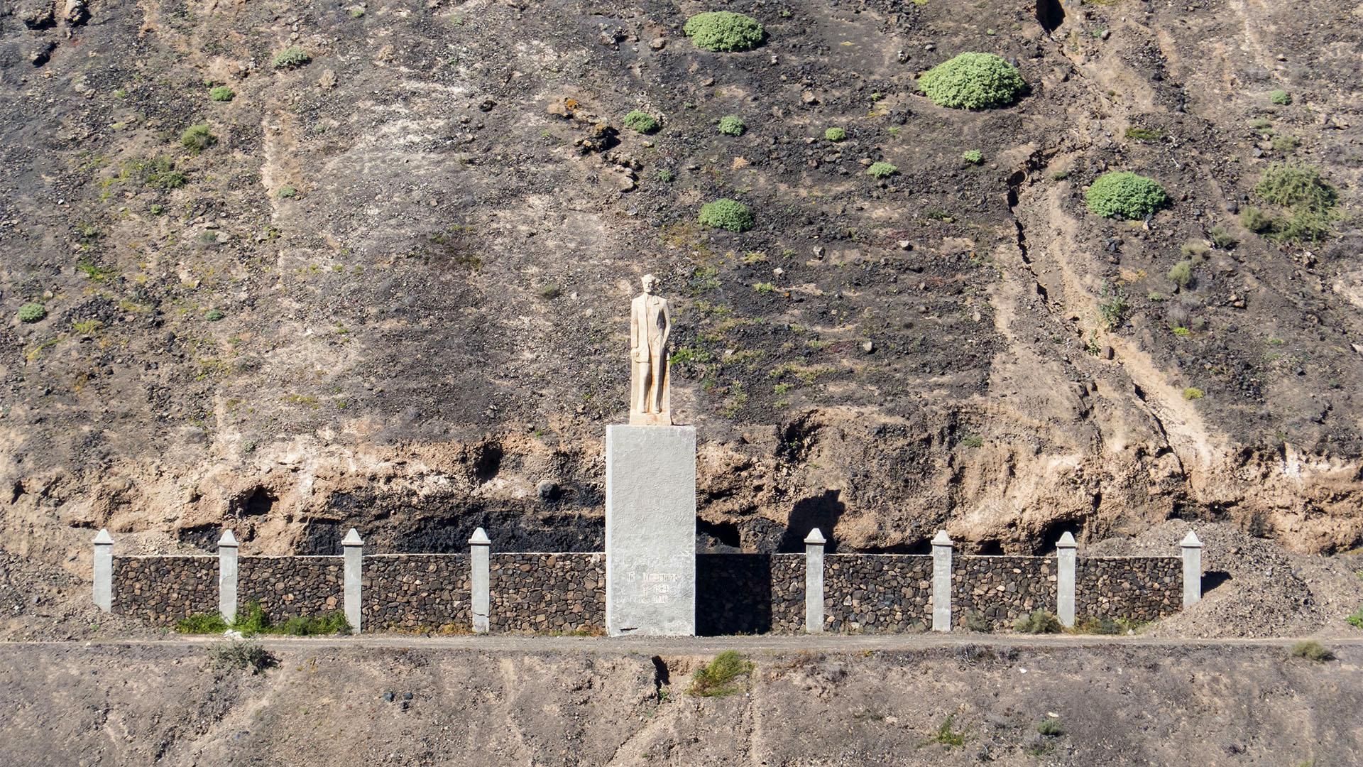 Sehenswürdigkeiten Fuerteventuras: Tindaya – Miguel de Unamuno Denkmal Montaña Quemada
