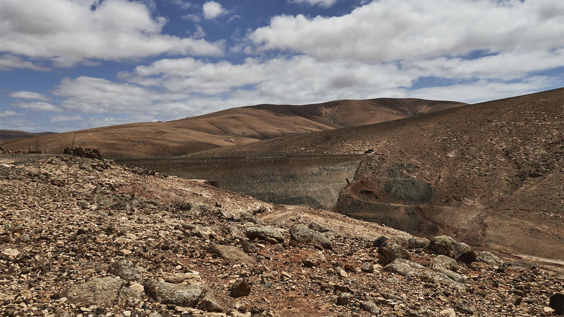 Der Staudamm Embalse de Los Molinos Fuerteventura.