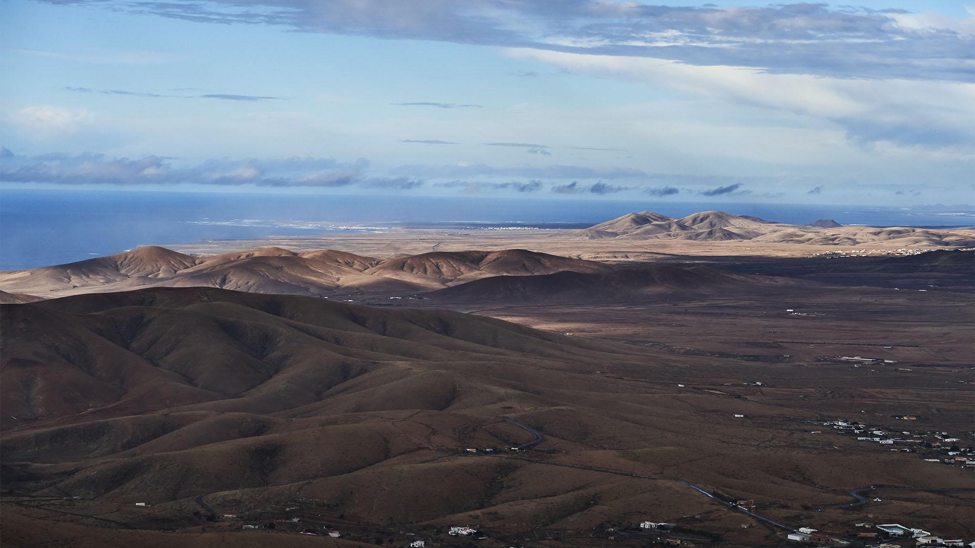 Blick vom Morro Velosa zur Westküste Fuerteventuras.