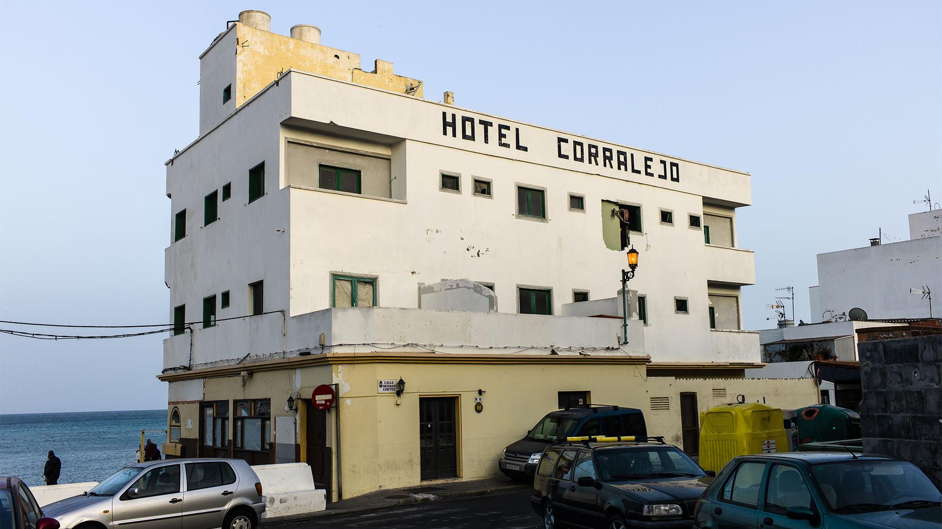 """Der Ort Corralejo Fuerteventura: Das alte """"Hotel Corralejo"""" noch 2012 bevor es zum schmucken """"Avanti Boutique Hotel"""" wurde."""