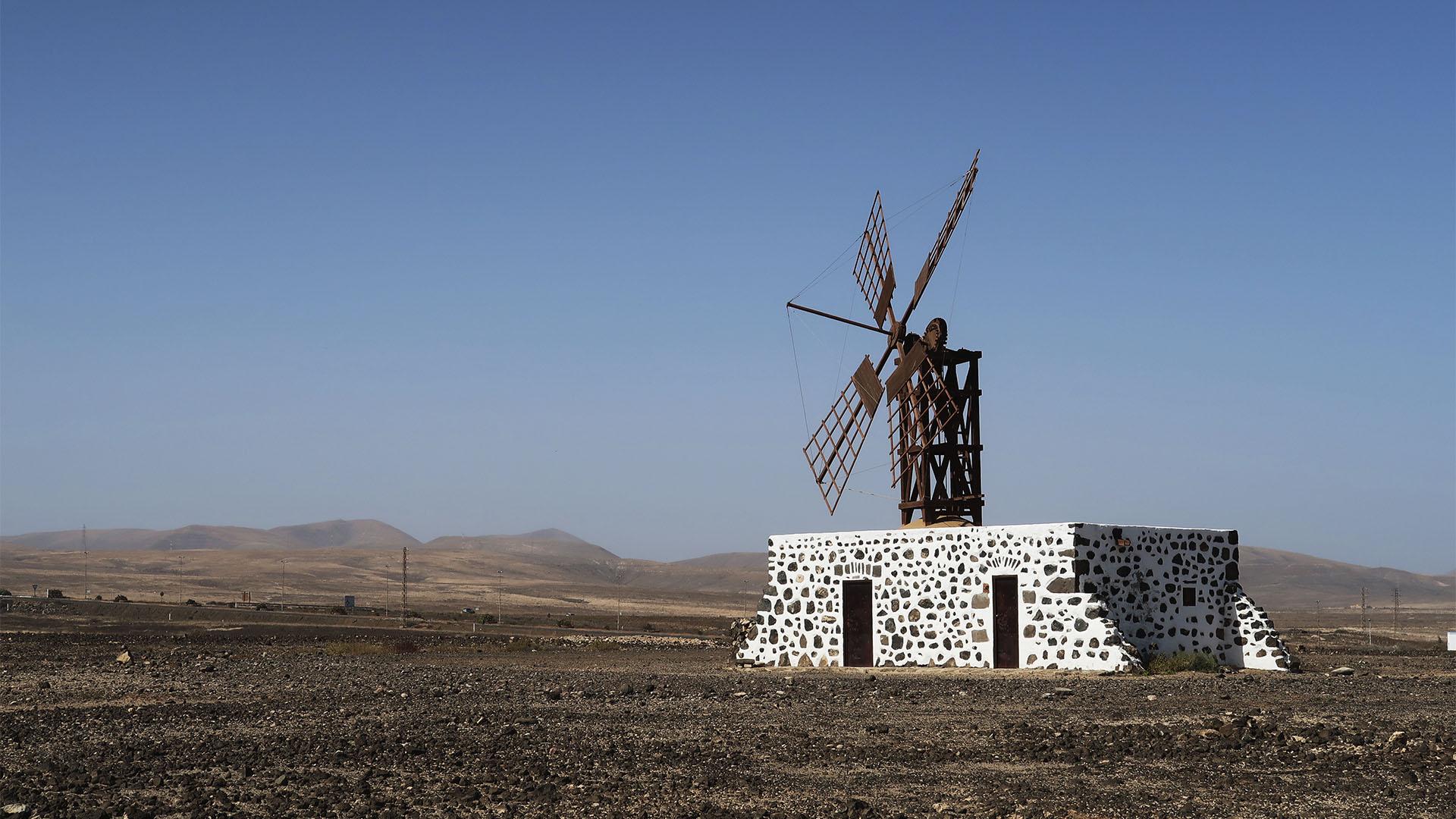 Die Windmühle von Puerto Lajas Fuerteventura.