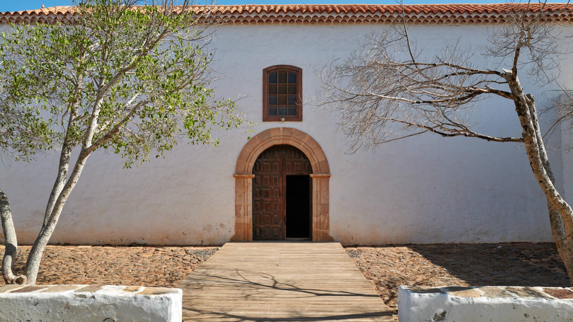 Iglesia Santo Domingo de Guzmán Tetir Fuerteventura.