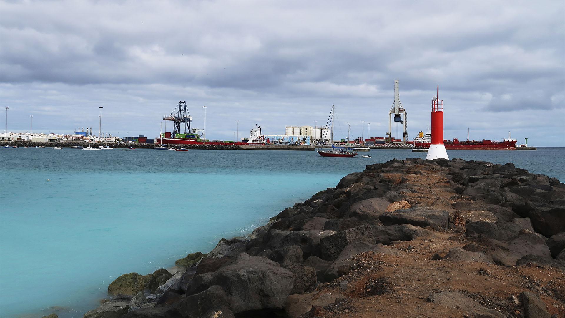 Der Hafen von Puerto del Roasrio Fuerteventura.