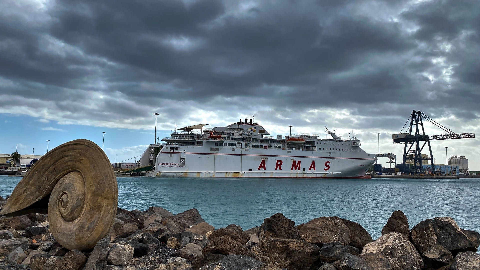 Puerto del Rosario –die Armas Fähre nach Puerto de la Luz Las Palmas Gran Canaria.