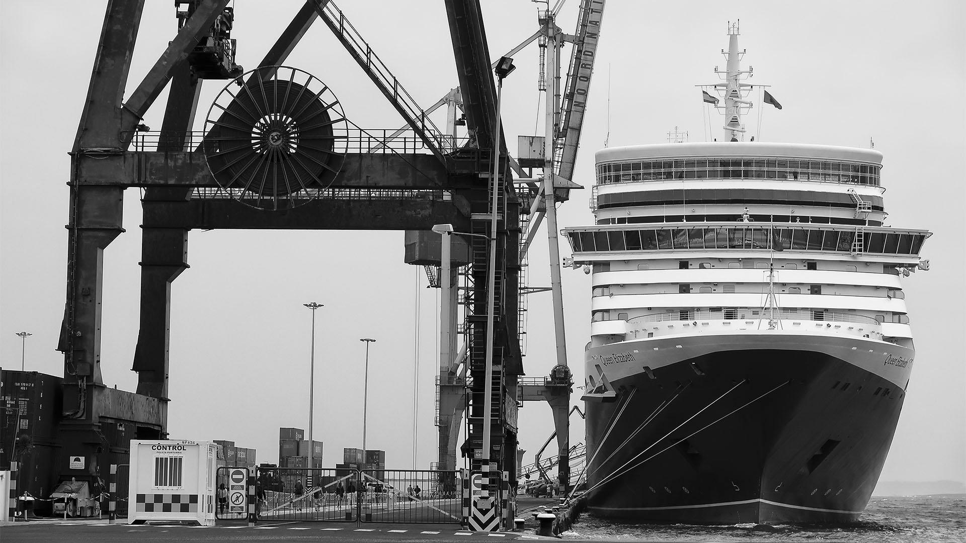Eine Ikone zu Besuch in Puerto del Rosario am 24.12.2018 –der letzte Transatlantik Liner Queen Elizabeth 2.