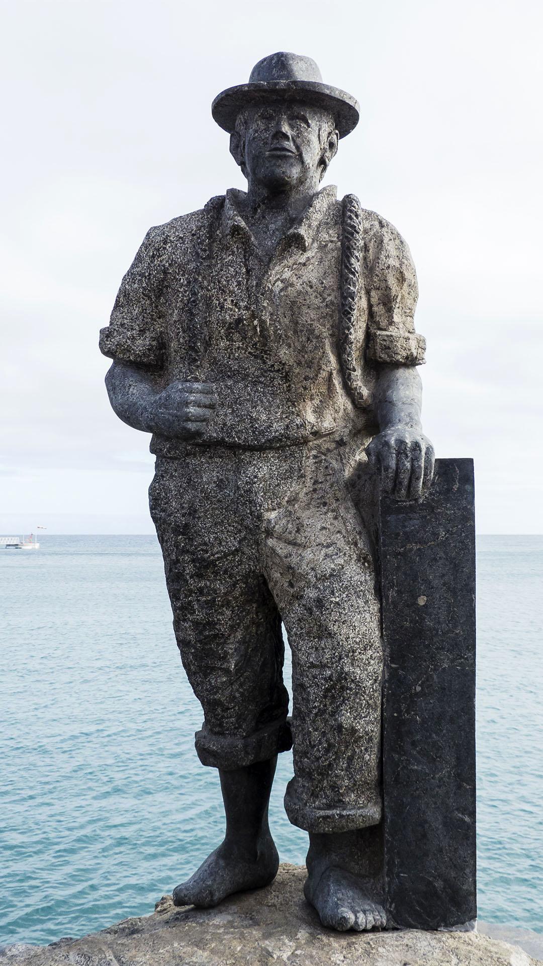 Pescador de viejas von Juan Miguel Cubas, Granit, 2003.