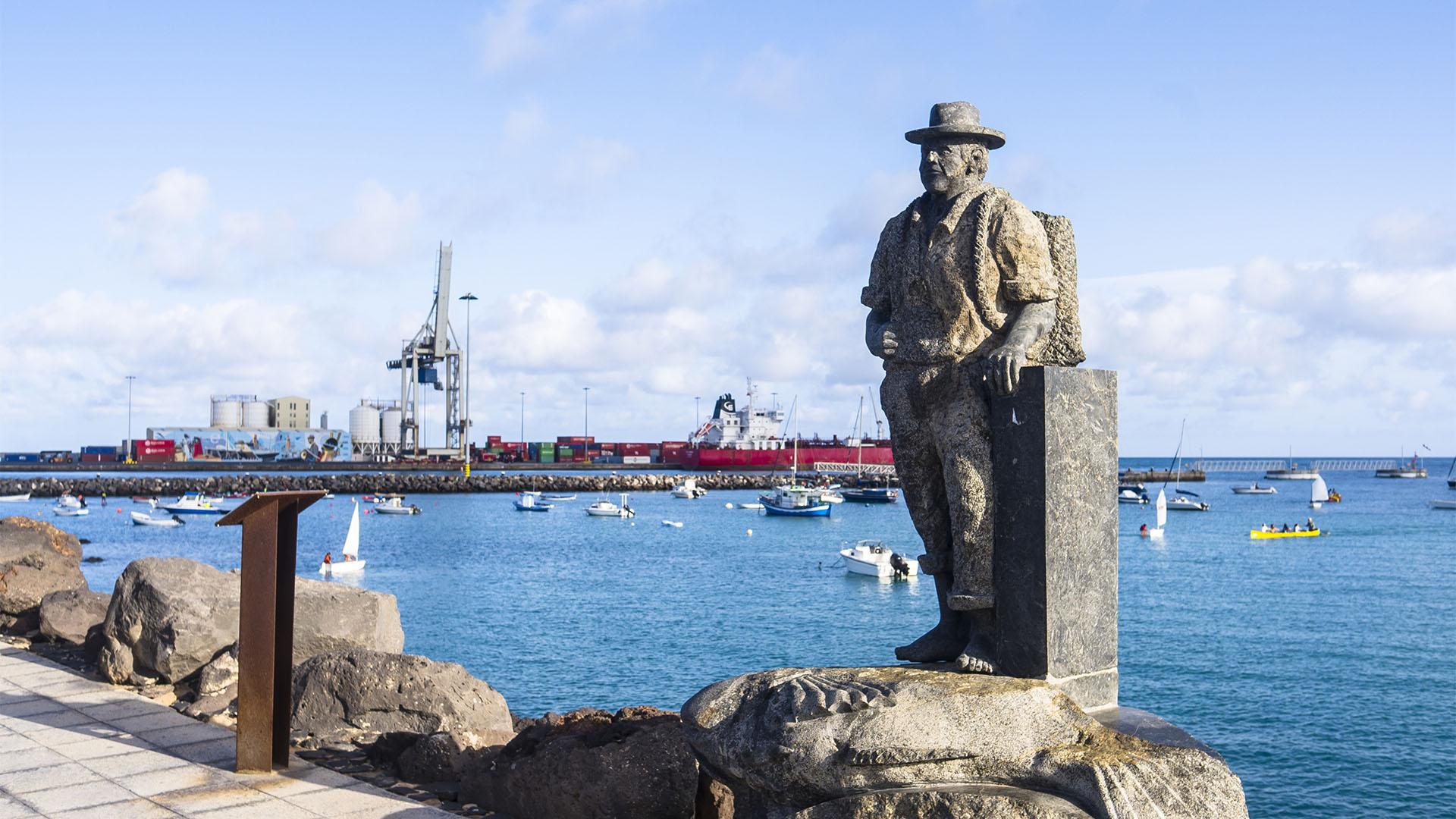 Skulpturen Pescador de viejas Puerto del Rosario Fuerteventura.