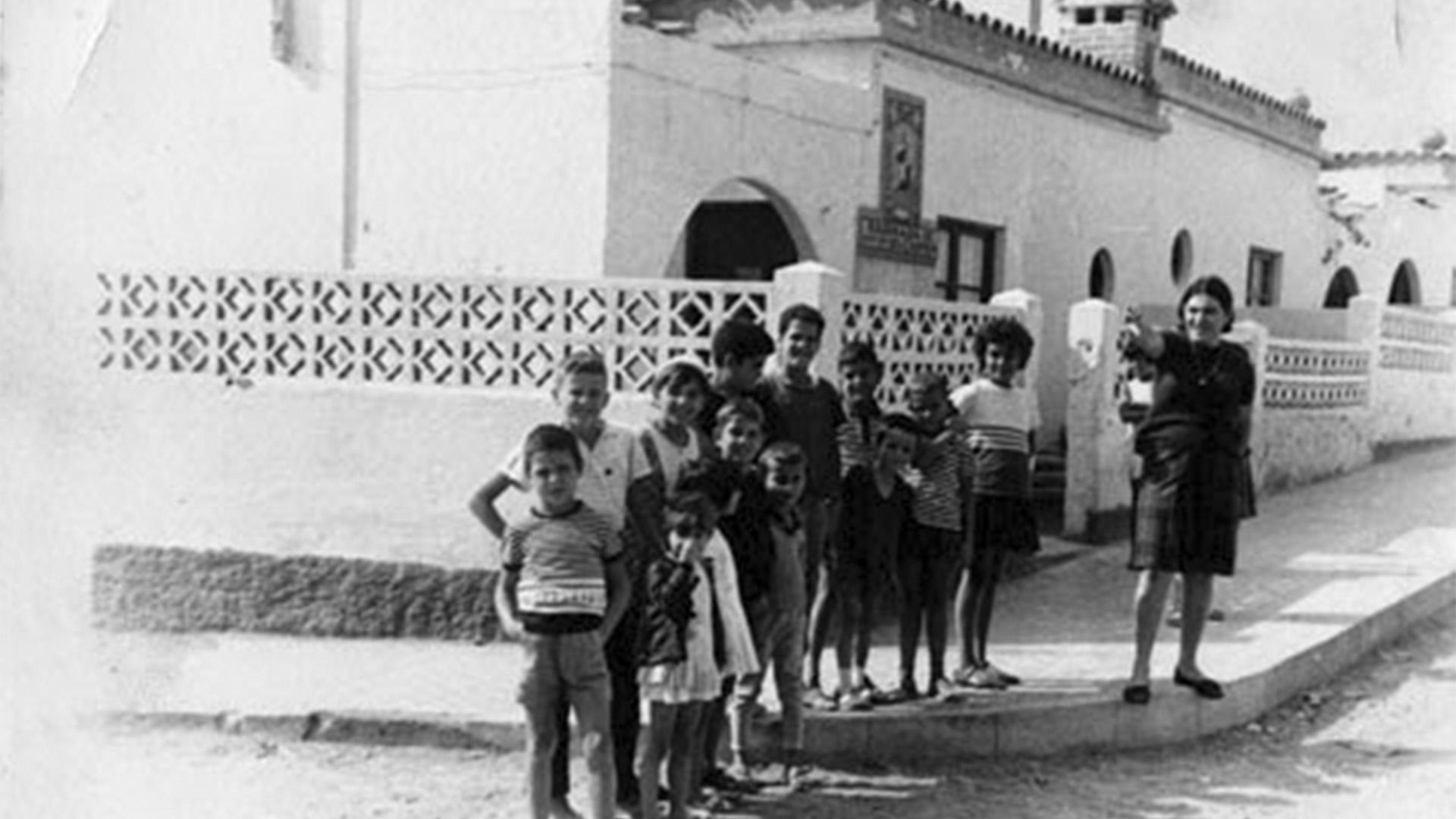 Puerto del Rosario, Fuerteventura: Der erste Sozialbau der Insel, La Barriada de Nuestra Señora del Carmen, .