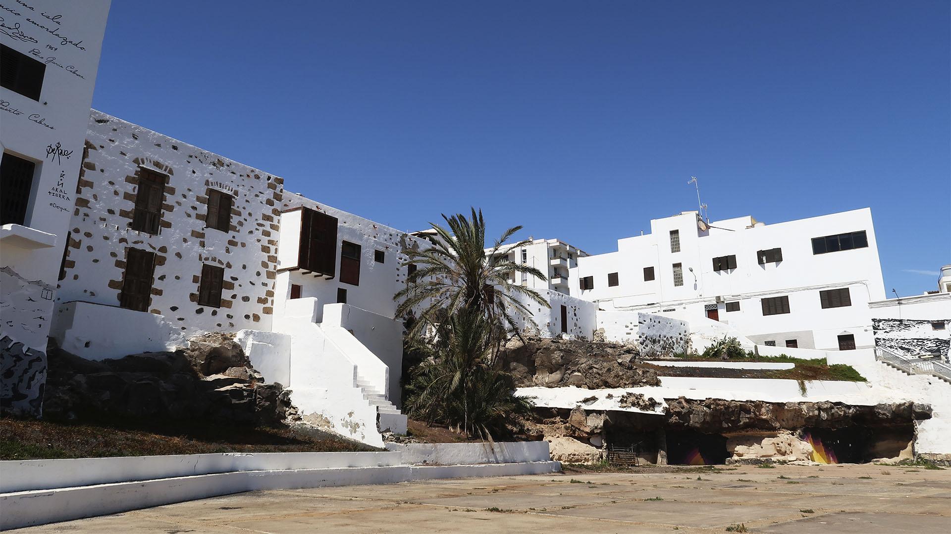 Casco Puerto del Rosario Fuerteventura –die alten Häuser am Hafen aus dem Ende des 18. Jhd.