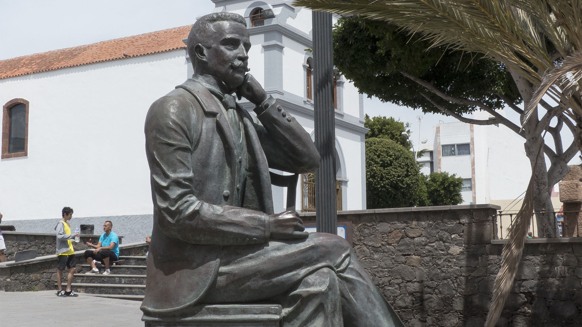 Statue des Manuel Velázquez Cabrera in Puerto del Rosario Fuerteventura.
