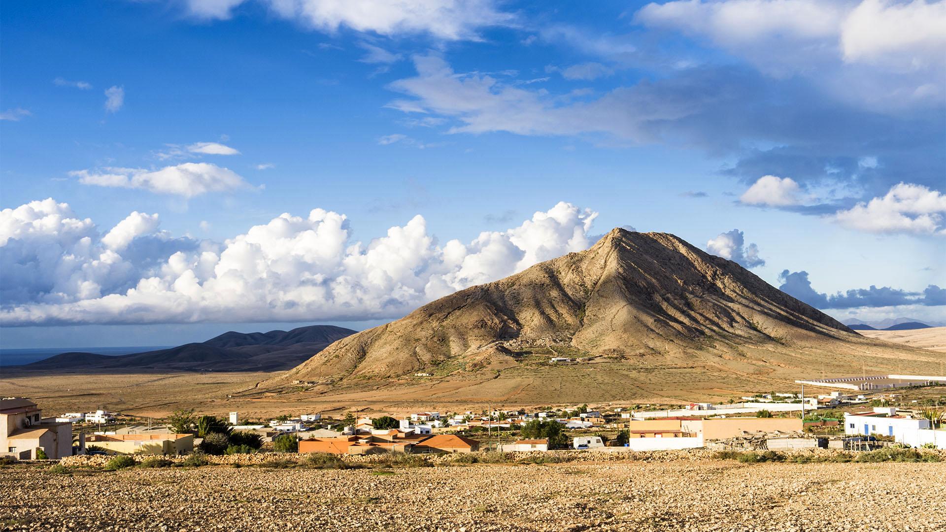 Fuerteventura Inselrundfahrt Norden –Montaña Sagrada de Tindaya.