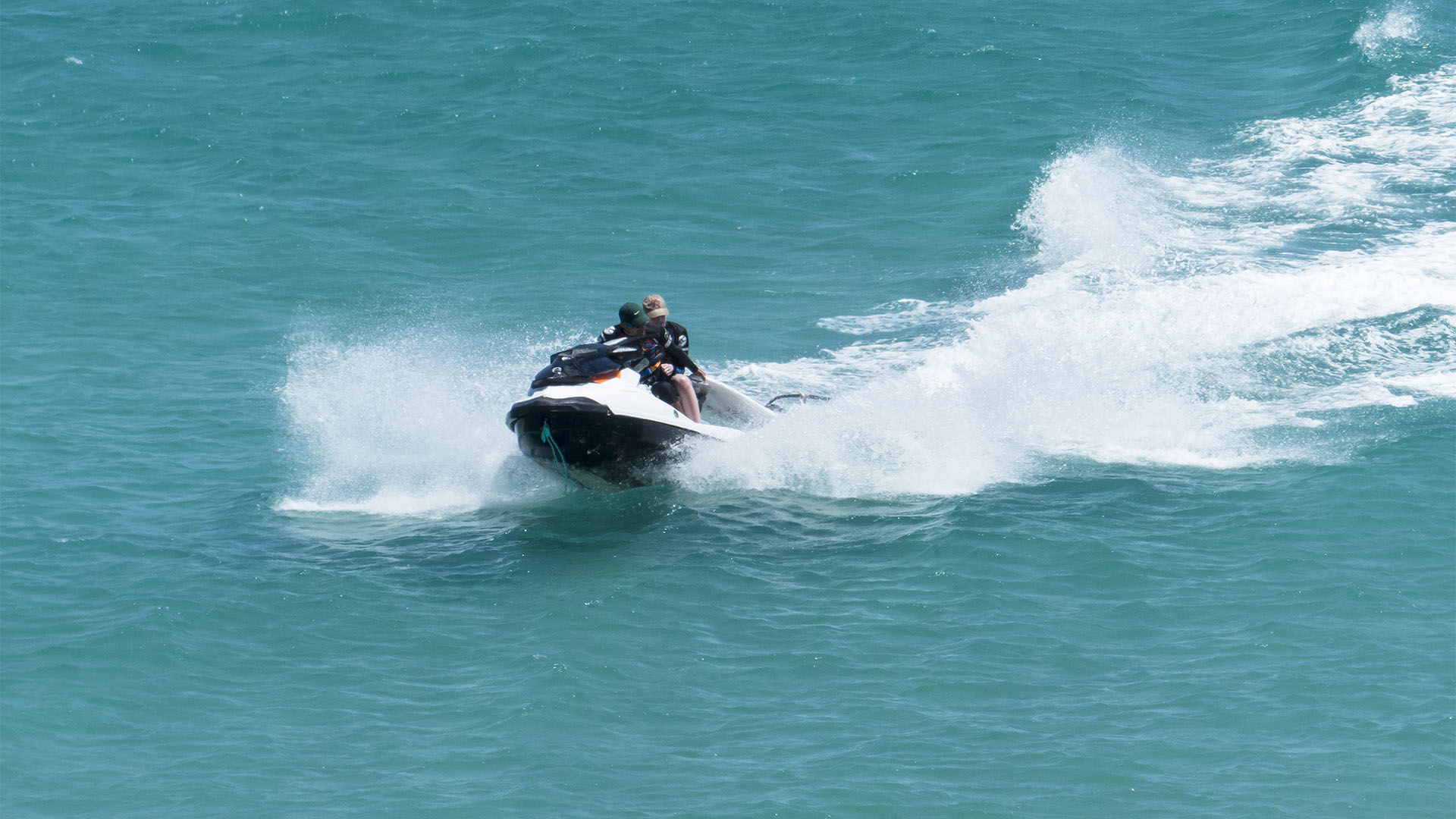 Funsport, Jetski, Jetskisafaris, Parasailing und mehr auf Fuerteventura.