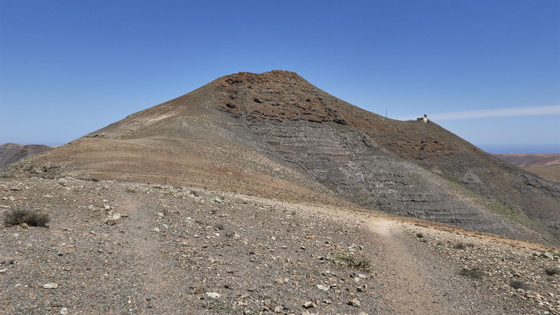Blick vom Aussichtspunkt 2 auf den Montaña de la Muda.