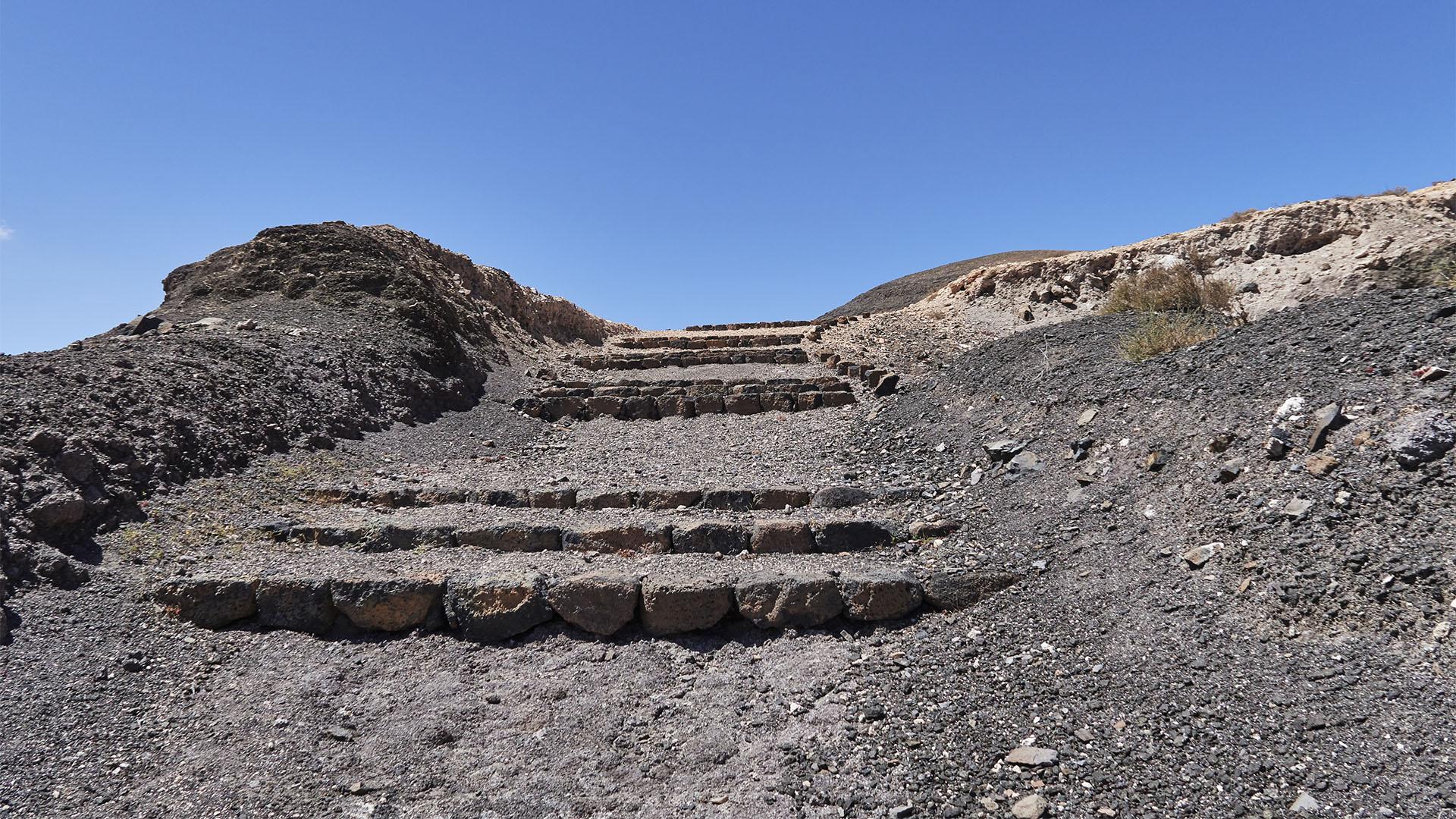 Start der Wanderung zu den Fuentes de El Chupadero an den Bundesstrasse FV-10.