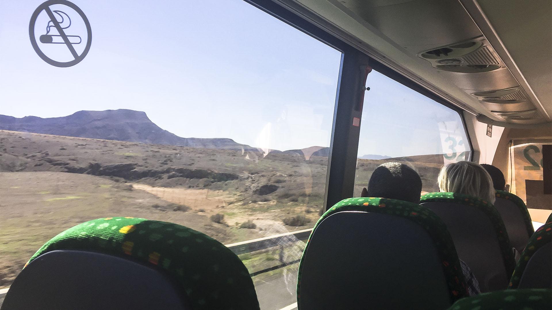 Unterwegs auf Fuerteventura mit öffentlichen Verkehrsmitteln – Bus und Taxi.
