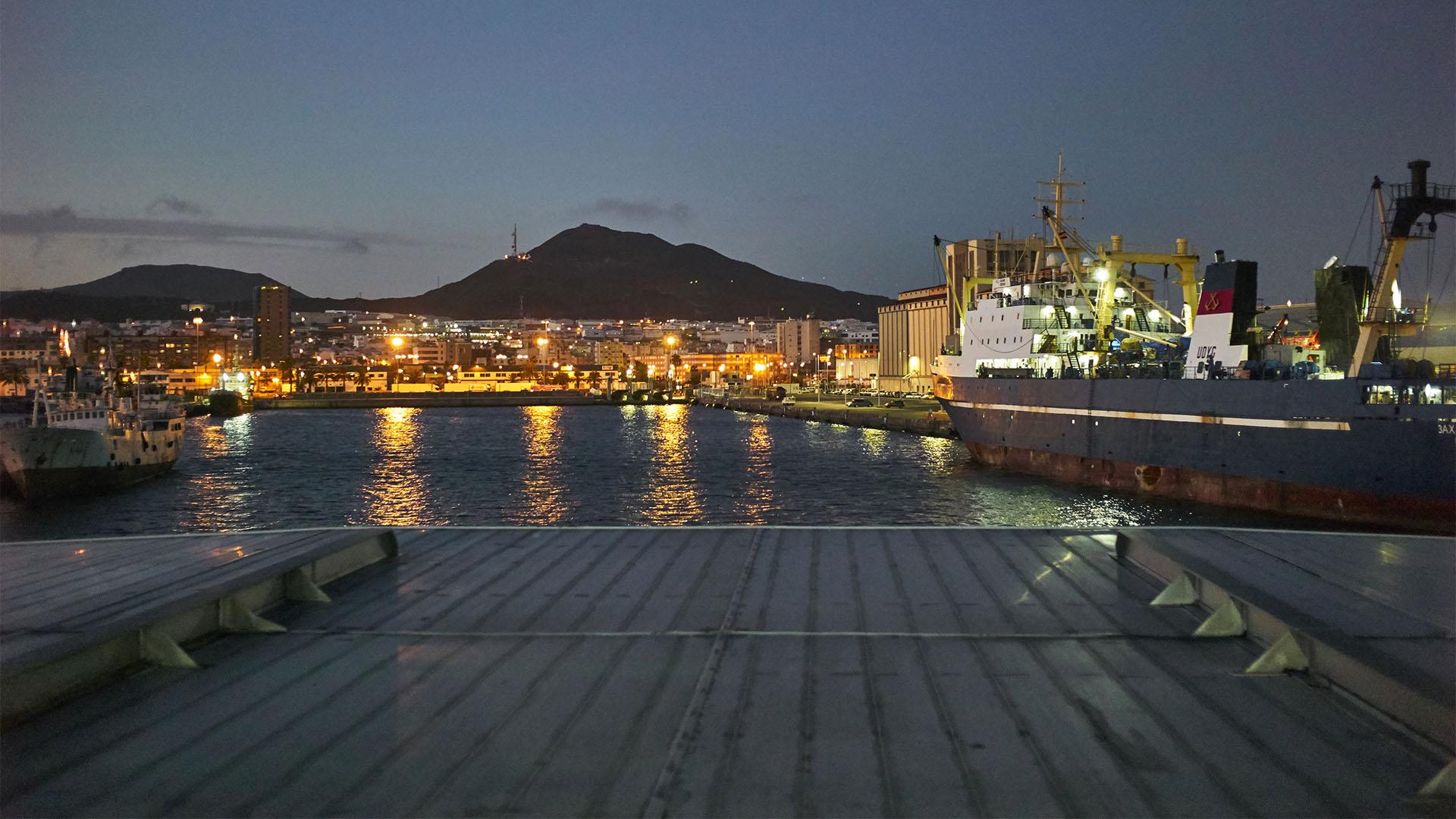 Fähre Morro Jable – Las Palmas: Auslauf aus Las Palmas de Gran Canaria.