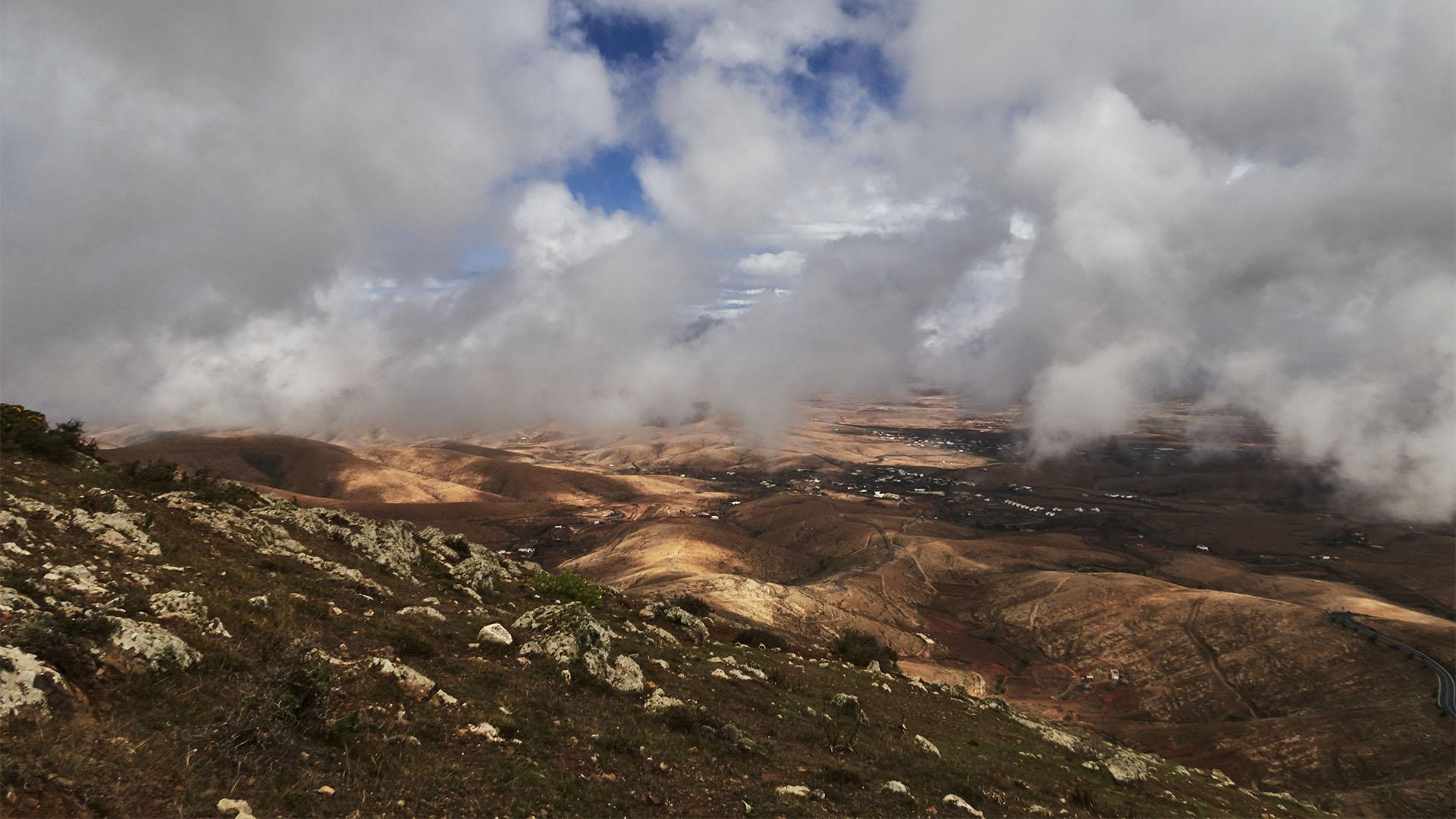 Wandern auf Fuerteventura im Herbst – Grosses Kino, Ausblicke über die Insel mitreissend schön.