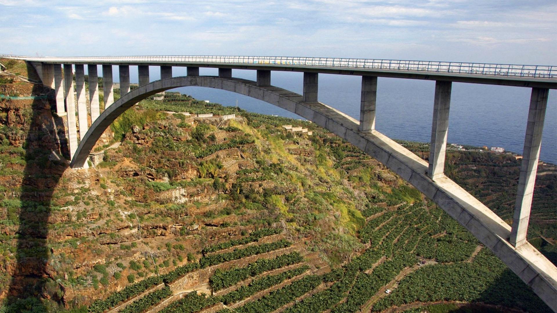 Die Kanaren Insel La  Palma –Puente de los Tilo.
