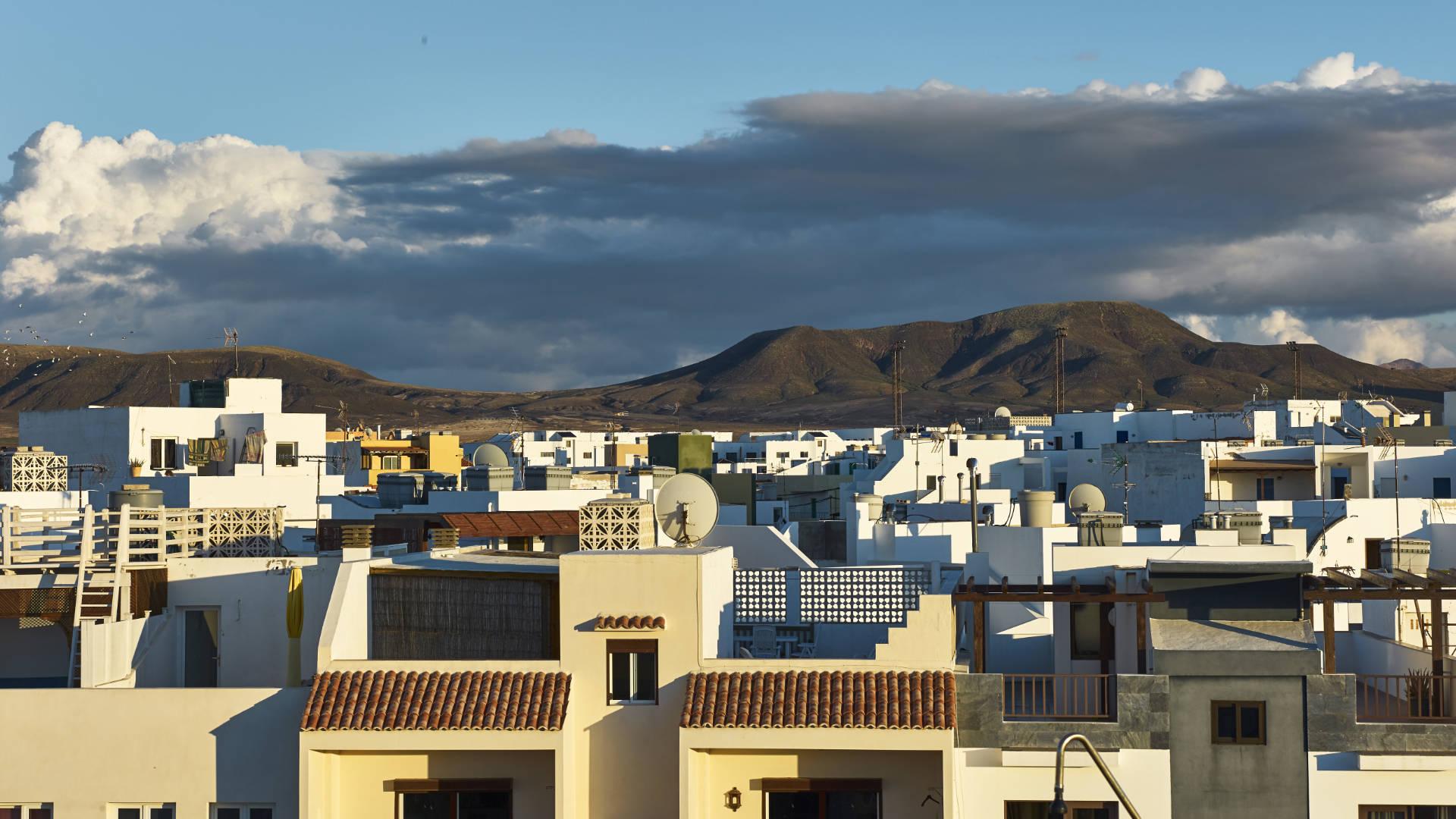 Jo's Dachterrasse hoch über El Cotillo in der Calle San Juan.